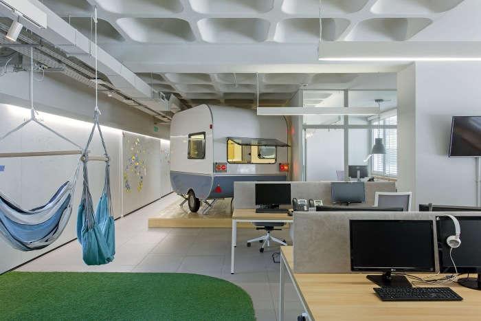 舒适的开放式办公室装修设计